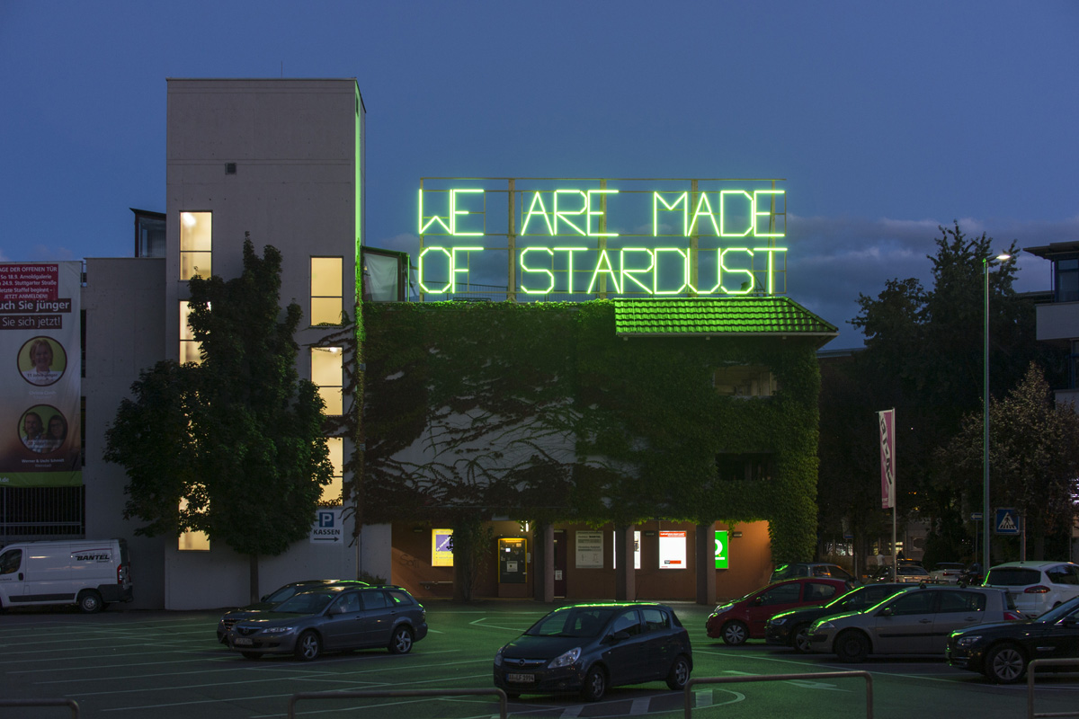 Michaela-Gleave_We-are-made-of-Stardust_Schorndorf_c_Frank-Kleinbach-(11)
